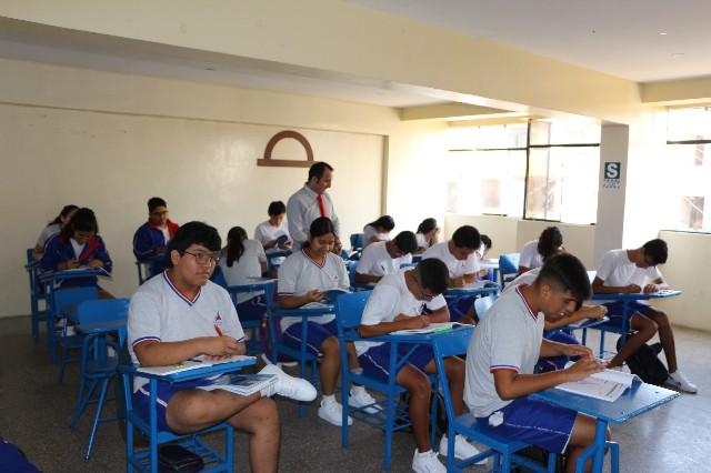 Maestro en aula